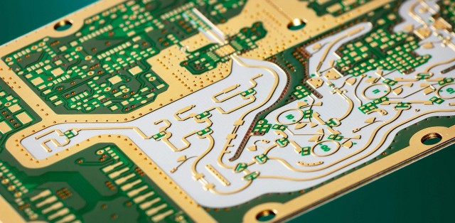 A High-frequency PCB board